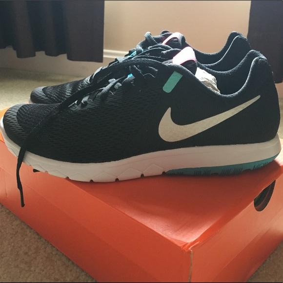 f50dde88a61ef Womens Nike flex experience rn 6